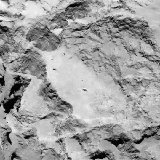 La zone A est située sur le grand lobe du noyau de 67P. Crédits : ESA/Rosetta/MPS for OSIRIS Team MPS/UPD/LAM/IAA/SSO/INTA/UPM/DASP/IDA.