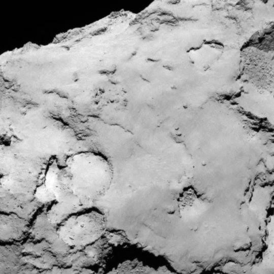 La zone C est située sur le grand lobe du noyau de 67P. Crédits : ESA/Rosetta/MPS for OSIRIS Team MPS/UPD/LAM/IAA/SSO/INTA/UPM/DASP/IDA.